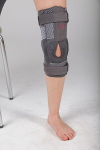 Knee Support knitted with hinged Stabilizing Open